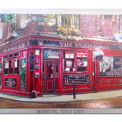"""Folierter Irland-Magnet mit der berühmten Dubliner Kneipe """"Temple Bar""""  bekannt für ihren Whiskey"""
