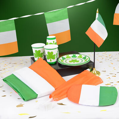 St Patricks Day Flags & Decorations Pack
