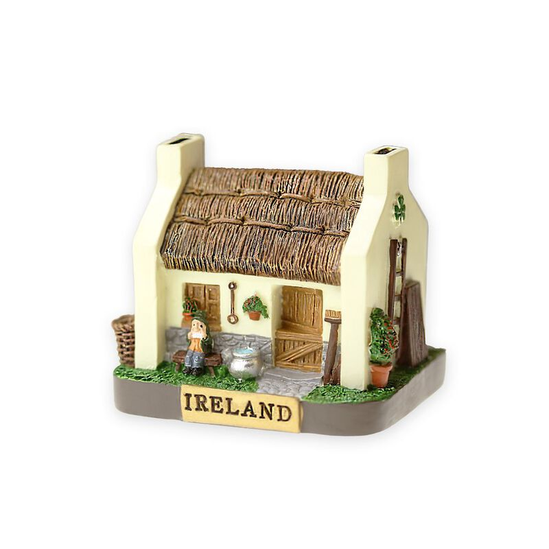 Tigeen Small Irish Cottage With Thatched Roof And Man Playing Music