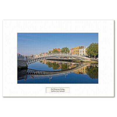 Visions Of Ireland Mounted Prints – The Ha'Penny Bridge  Dublin