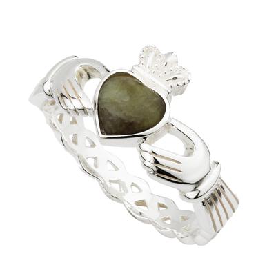Gepunzter Sterlingsilber-Claddagh-Ring mit Connemara-Marmorstein