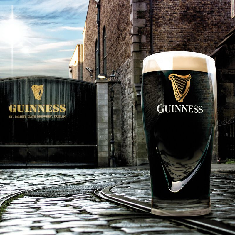 Official Guinness 20Oz Gravity Pint Glass (Comes In Gift Box)