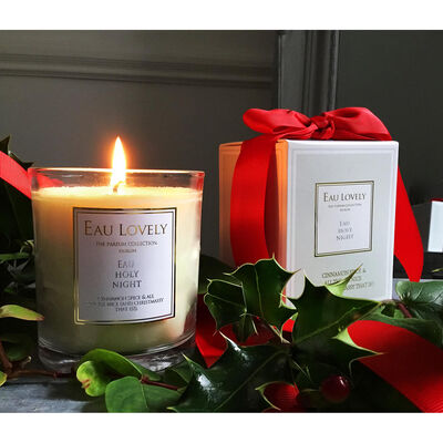 Eau Holy Night Cinnamon Spice Irish Scented Christmas Candle