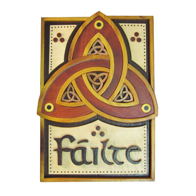 Wooden Trinity Knot Failte Wall Hanging Plaque  22cm X 15.5cm
