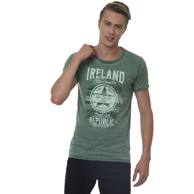 Green Ireland Republic Unisex T-Shirt With Star Design and 'Cead Mile Failte' Text