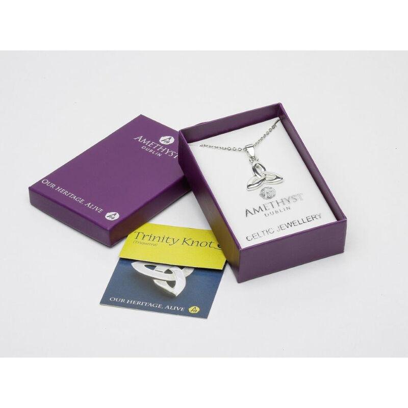 Versilberter Amethyst Trinity Knoten Anhänger  präsentiert In einer Box