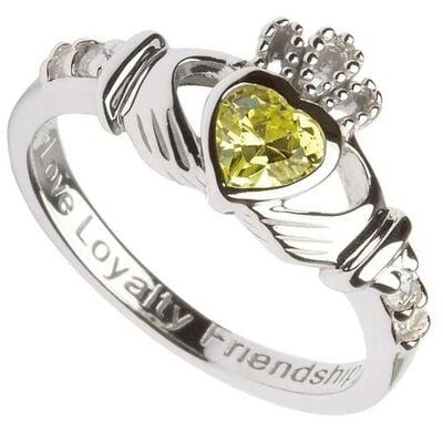 Claddagh-Geburtsstein-Ring aus gepunztem Sterlingsilber  August
