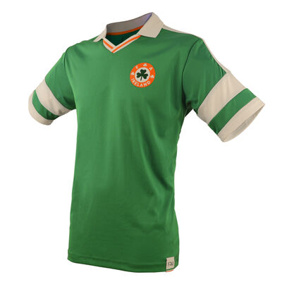 Retro Designed Ireland Football Cotton T-Shirt with Collar, Green Colour