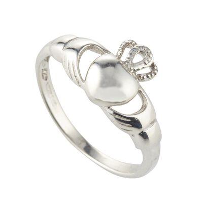Claddagh Ring aus gepunztem Sterlingsilber  in einer Geschenkbox