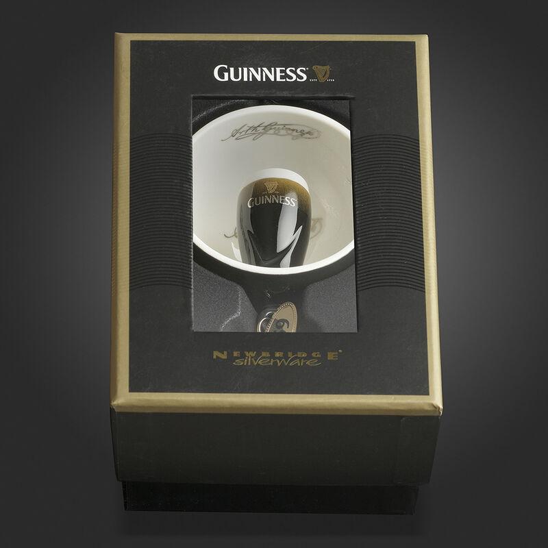 Newbridge Silverware Guinness Open Globe Pint Decoration