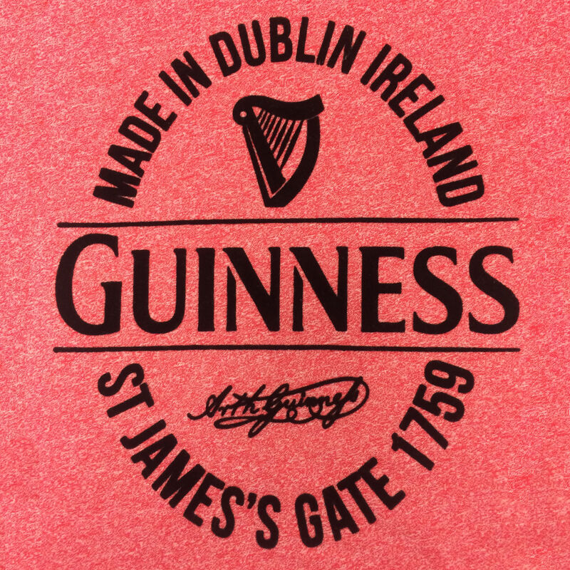 Guinness Damen T-Shirt mit Made in Dublin Flasche Label  Farbe rot