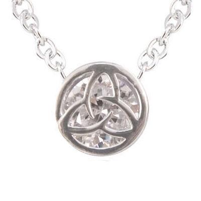 Versilberter runder Anhänger mit Zirkonia Kristallen in Trinity Knoten Form