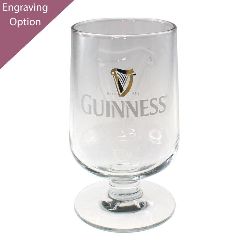 Guinness geprägtes Stielglas
