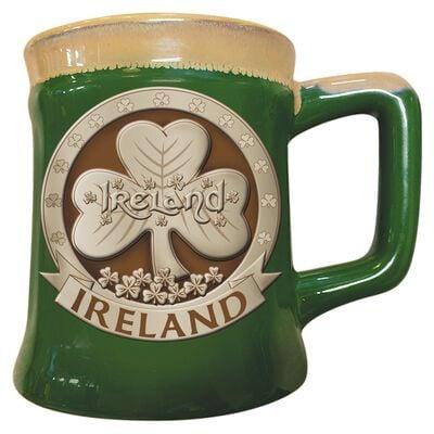Keramikbecher mit irischem Design eines Kleeblatts  grün